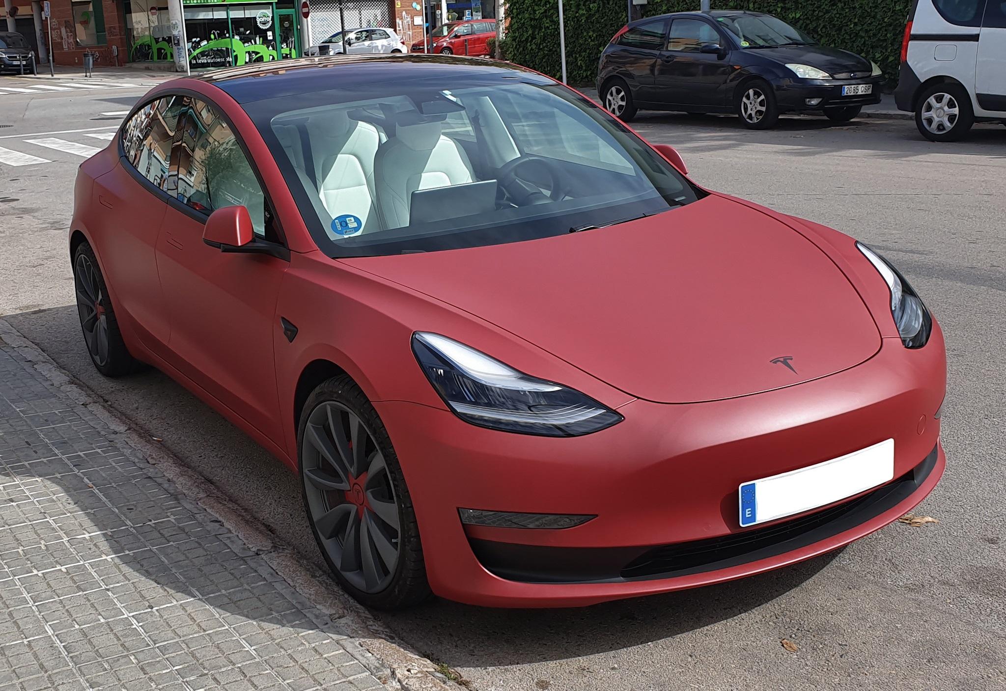 Tesla Model 3 Perfomance vinilo rojo mate